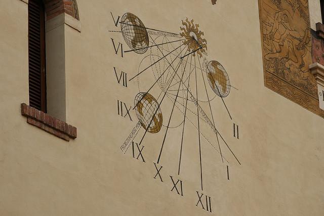 Sundial on Villino delle Fate