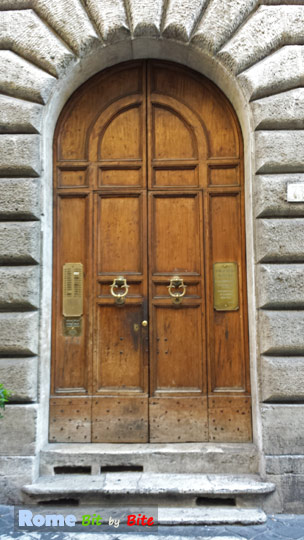 Gate to the Gallery & Garden Suites in Via del Governo Vecchio.