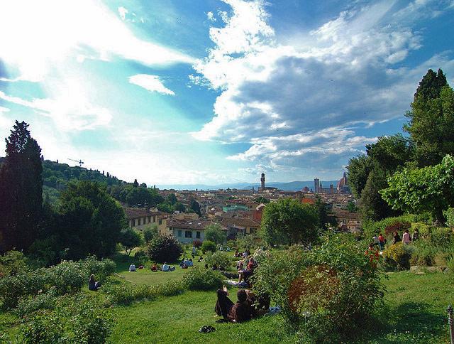 florence-rose-garden-2