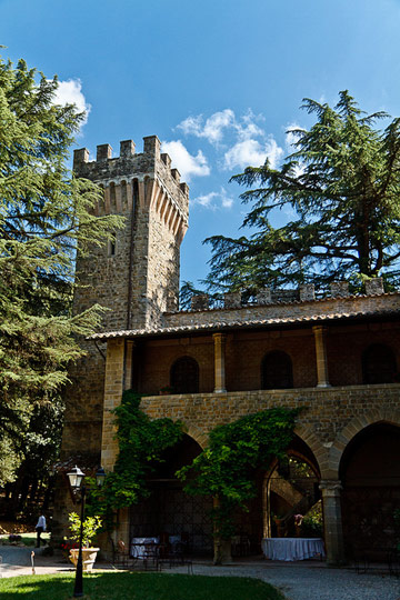 Castello dell'Oscano, Perugia.Photo by Alessio Molteni.