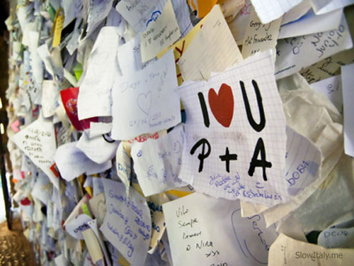 Wall with love notes in Verona