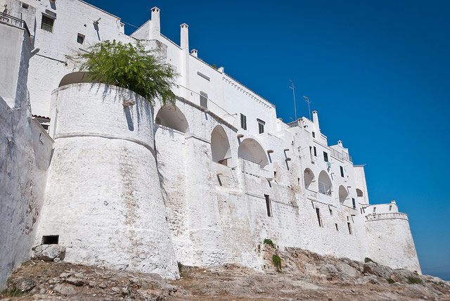 ostuni-defensive-walls