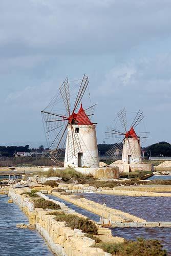 Mozia wind mills.