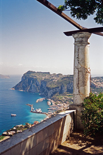 10 most beautiful and famous villas of italy for Villas in capri