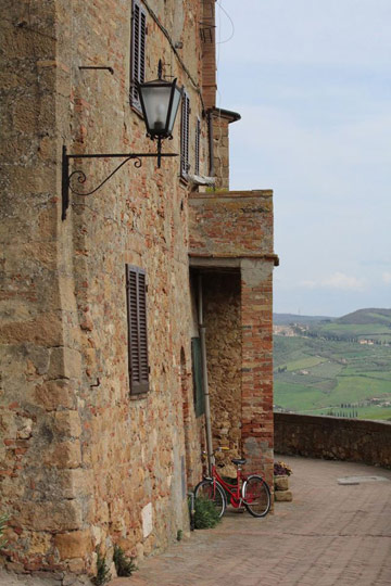 Pienza. Photo by Ronald Venezie.