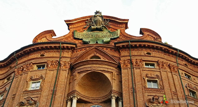 "Palazzo Carignano bearing the inscription ""Qui nacque Vittorio Emanuele II"" (Here Vittorio Emanuele II was born)."