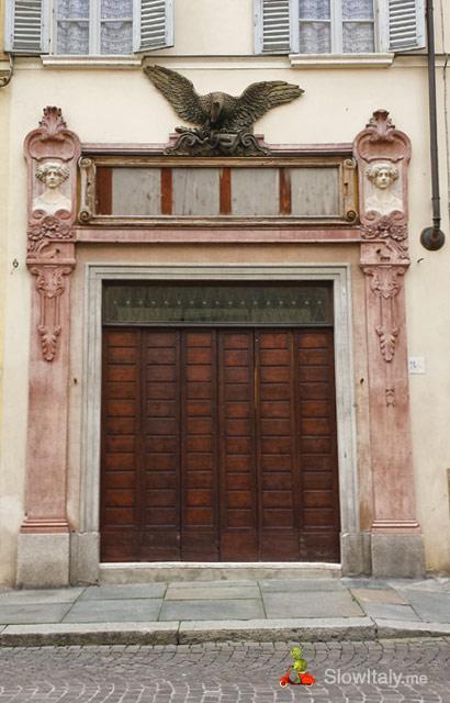 door-c