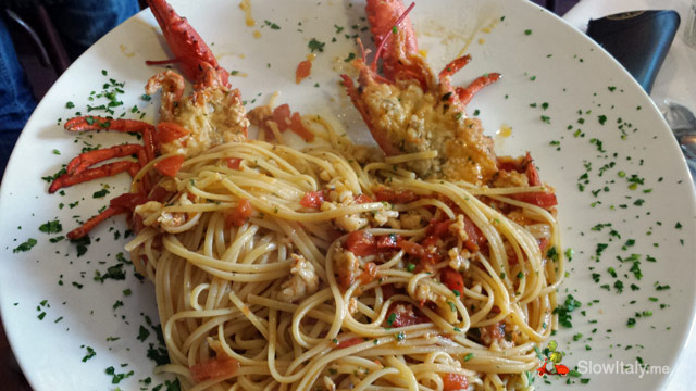 Bavette all'astice (ribbon-shaped pasta with lobster). Photo Slow Italy.