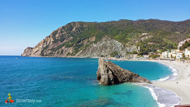 Monterosso beach. Photo Slow Italy.