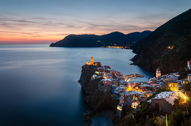 vernazza-by-night