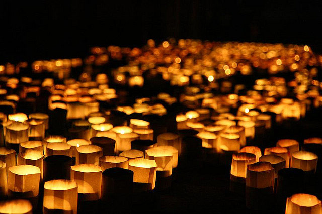 caltagirone-candle-lights