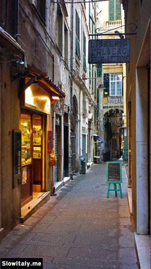 L'Albero delle Lettere, Via di Canneto il Lungo, 38. Photo © Slow Italy.