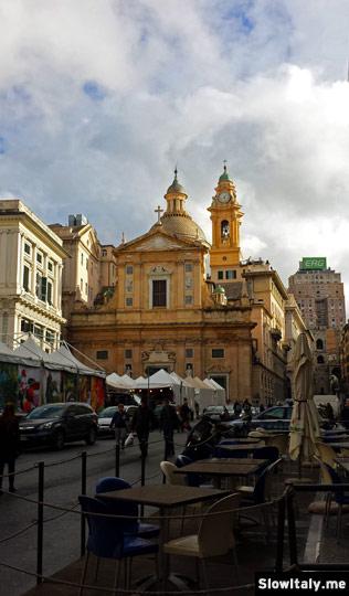 Piazza Matteotti and Chiesa del Gesù e dei Santi Ambrogio e Andrea. Photo © Slow Italy.