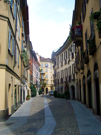 Via Madonnina, Brera District, Milano