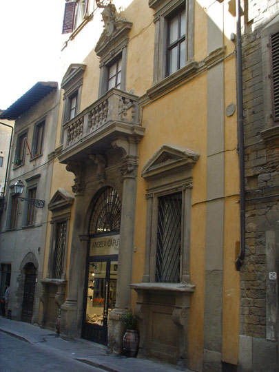 Palazzetto Medici in via Santo Spirito. Photo by Sailko.