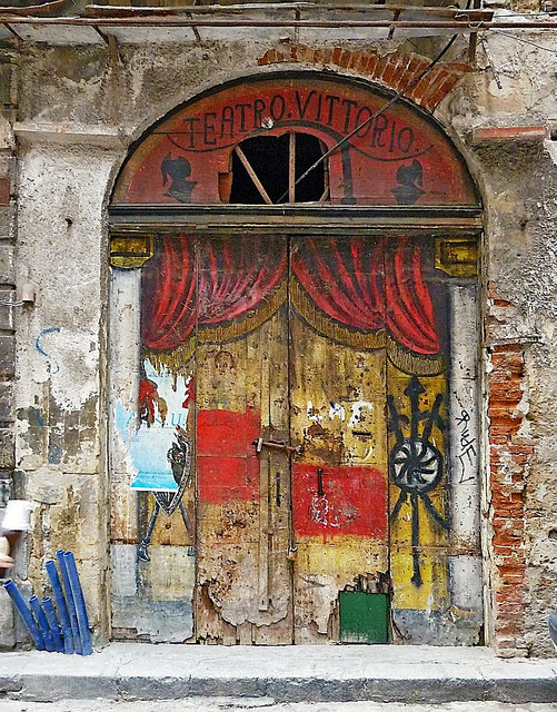 theater-door-palermo