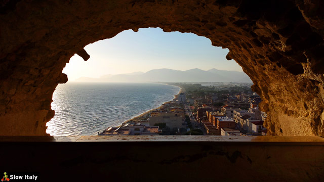 View over the new part of Sperlonga from the historic center. Photo © Slow Italy.
