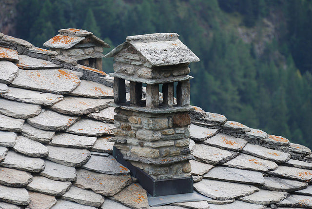 Typical slate roof in Valpelline, Val d'Aosta. Photo by Alessandro.