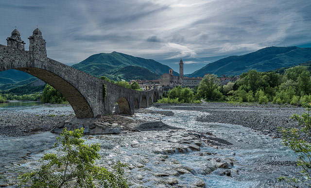 Ponte Gobbo, Bobbio. Photo by Matteo Russo.