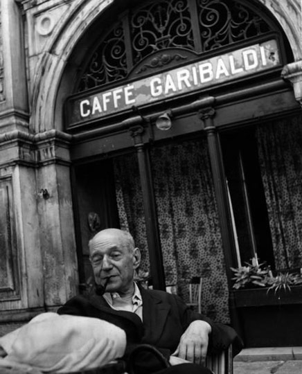 The poet Umberto Saba in front of Caffè Garibaldi in Piazza Unità d'Italia. Via: Pinterest - artemagazine.it