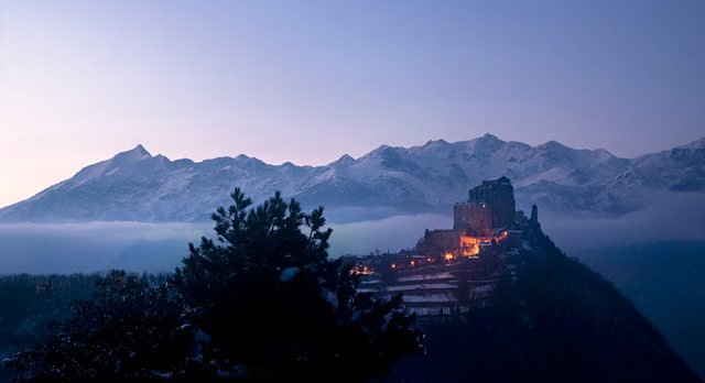 Sacra di San Michele at night. Photo © a galaxy, far far away... bertero.weebly.com