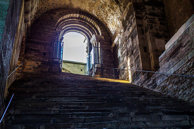 Scalone dei Morti (Staircase of the Dead). Photo by Alexander Schimmeck.