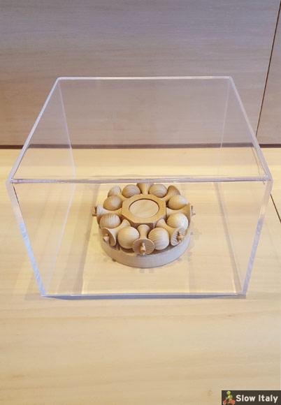 Da Vinci's ball bearing, Leonardo Museum in Vinci.