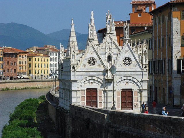 Santa Maria della Spina Church. Photo by r.g-s