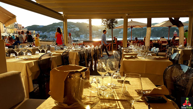 Restaurant L'Aragosta, Ponza. Photo © Slow Italy