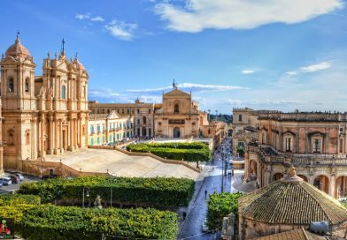 The baroque towns of the Val di Noto: a walk in Sicily's flamboyant past